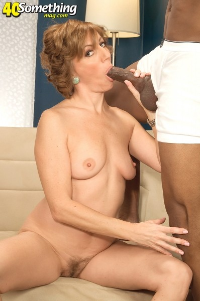 Avalynne O'Brien - XXX MILF photos
