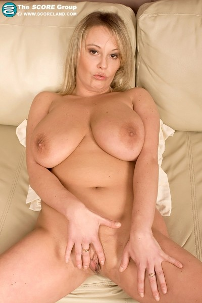 Vanessa Lilio - Solo Big Tits photos