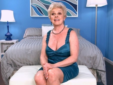 Jewel - Interview MILF video