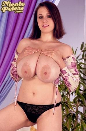 Nicole Peters Flower Top nicolepeters.com