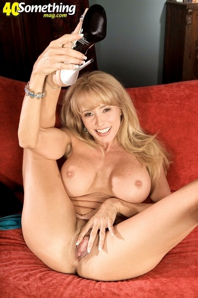 Sabrina - Solo MILF photos