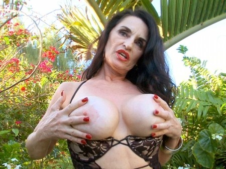Rita Daniels - Solo Big Tits video