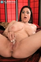 Isis Haze - Solo Big Tits photos