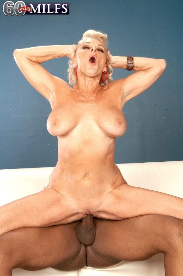soha nude grup sex
