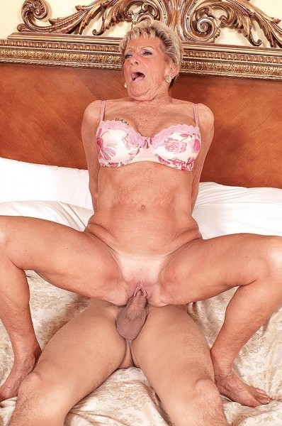 Granny shirley has afternoon delight 10