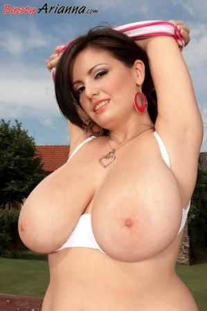 Arianna Sinn - Solo Big Tits photos thumb