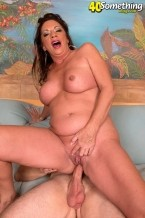 Margo Sullivan - XXX MILF photos