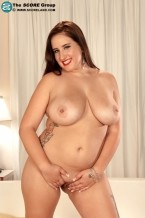Carrie Ashton - Solo Big Tits photos