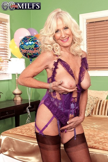 Bea Cummings Porn Videos  Pornhubcom