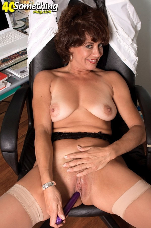 Jamy Nova - Solo MILF photos