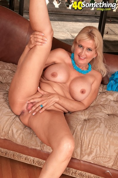 Marina Johnson - Solo MILF photos
