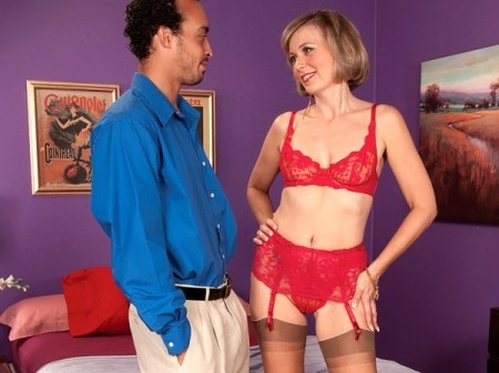 Ruthie Hays - XXX MILF video