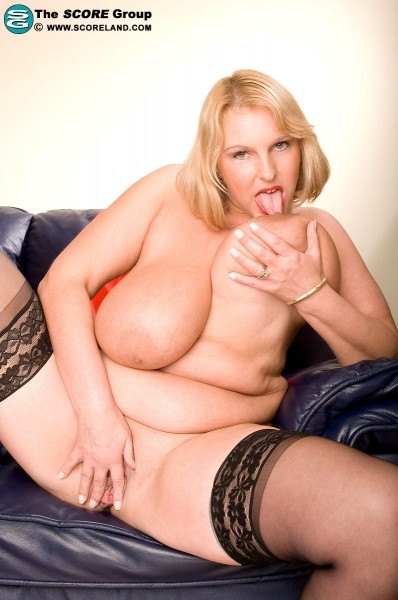 Carol Brown - Solo Big Tits photos