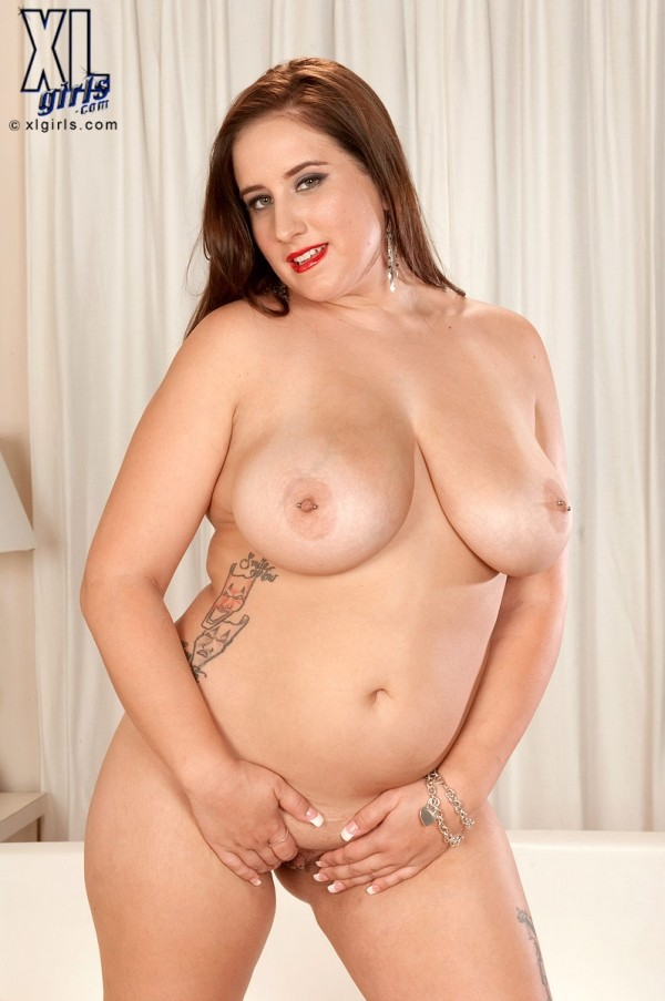 Carrie Ashton - Solo BBW photos