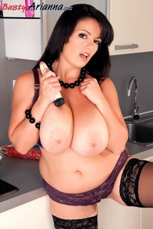 Arianna Sinn Cumming In The Kitchen With Arianna bustyarianna.com