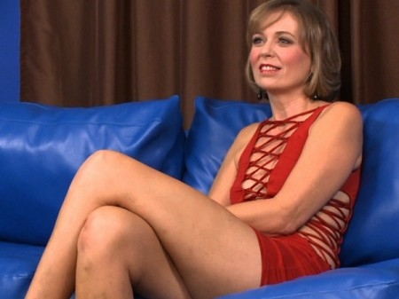 Ruthie Hays - Interview MILF video
