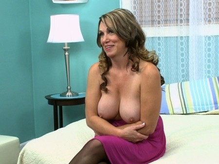 Lydia South - Interview MILF video