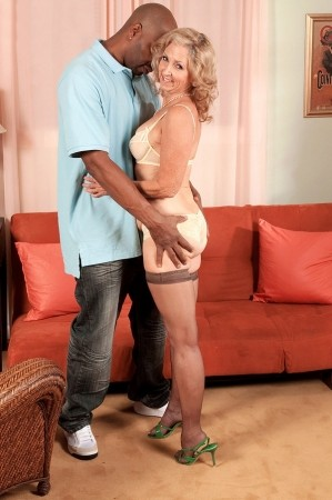 Connie McCoy - XXX MILF photos
