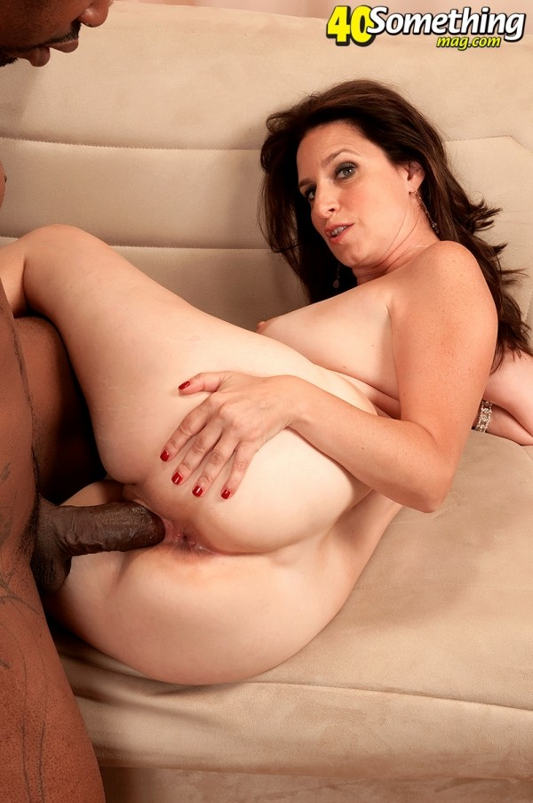Gillian Sloan - XXX MILF photos