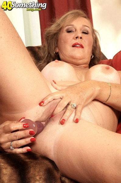 Trisha Swallows - Solo MILF photos
