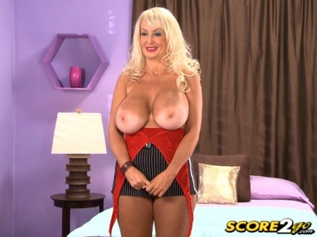 Brittany O'Neil - Solo Big Tits video