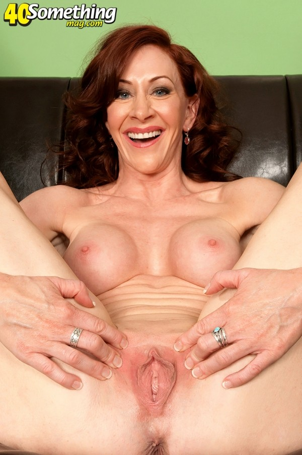 Catherine - Solo MILF photos