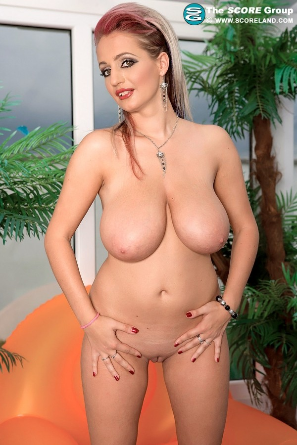 Westy - Solo Big Tits photos
