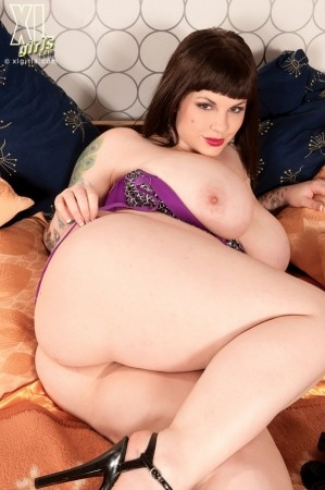 Dors Feline - Solo BBW photos
