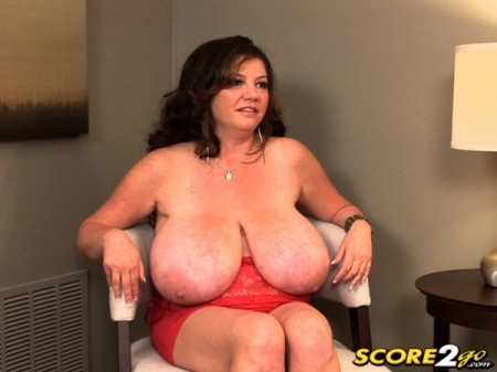 Diane Poppos - Interview BBW video