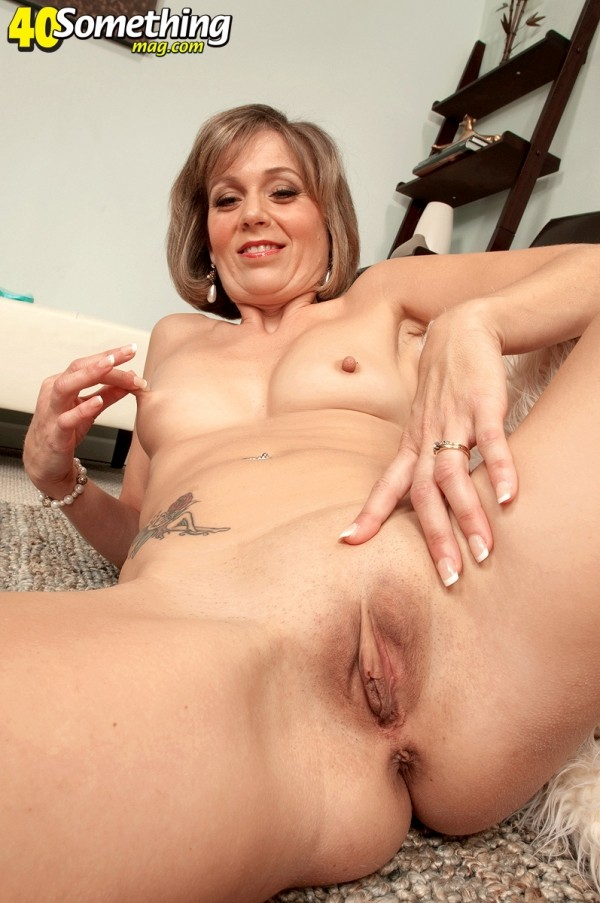 Ruthie Hays - Solo MILF photos