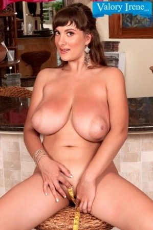 Valory Irene - Solo Big Tits photos thumb