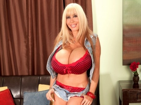 Elizabeth Starr - XXX Big Tits video