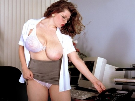 Desirae - Solo Big Tits video