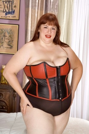 Luna Mystique - Solo BBW photos
