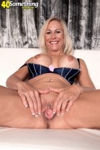 Carrie Romano - Solo MILF photos