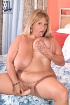 Kitti Campbell - Solo BBW photos