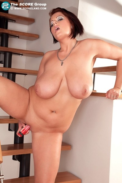 Lola - Solo Big Tits photos