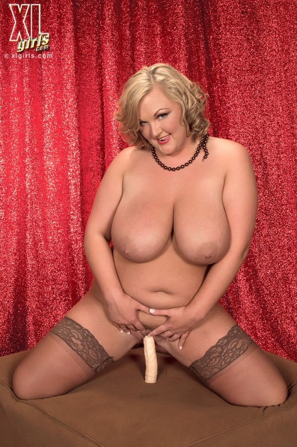 Anna Kay - Solo BBW photos
