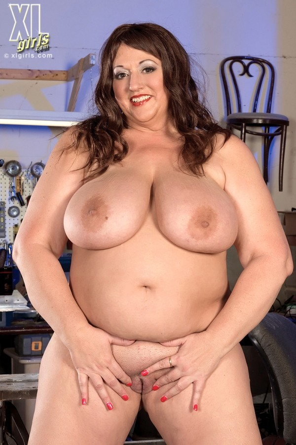 Jennifer - Solo BBW photos