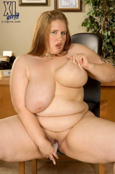 Miss Isabelle - Solo BBW photos