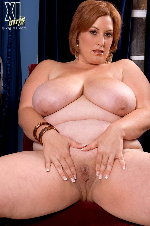 Nikki Cars - Solo BBW photos