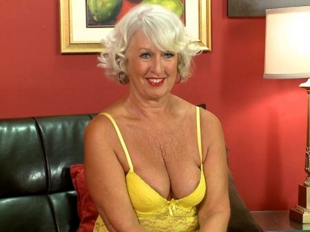 Jeannie Lou - Interview Granny video