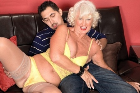 Jeannie Lou - XXX Granny video
