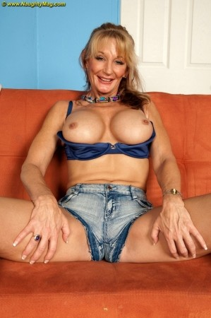 Opal Reins - Solo MILF photos