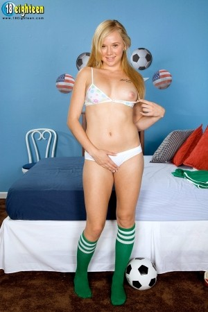 Tracey Sweet - Solo Teen photos