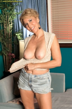 Erica Lauren - Solo Granny photos