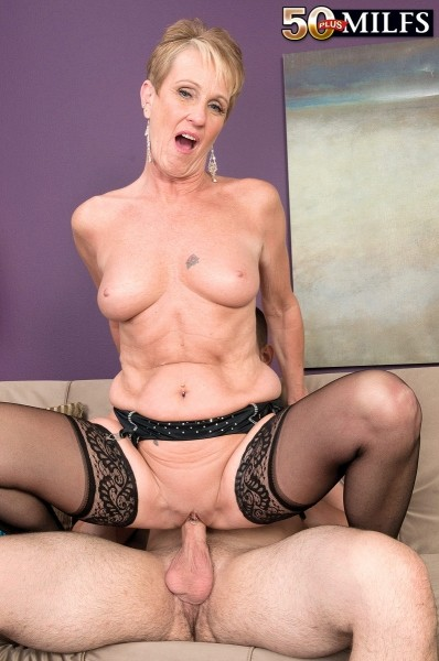 sexy-granny-misty-luv-ass-licking-blackmail-pics