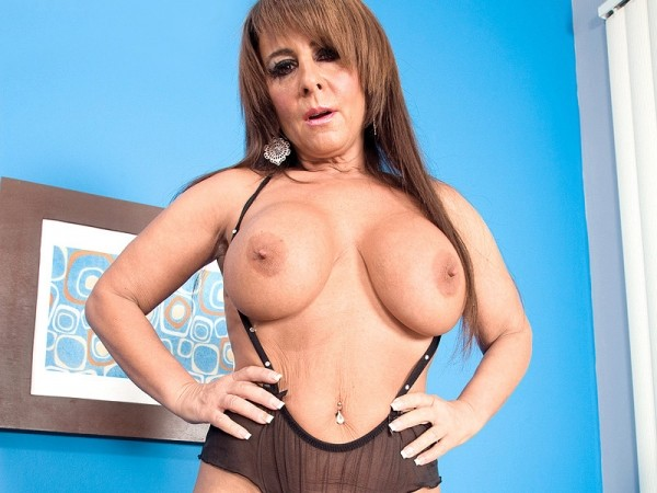From Fitness Covergirl To Milf Tugger!