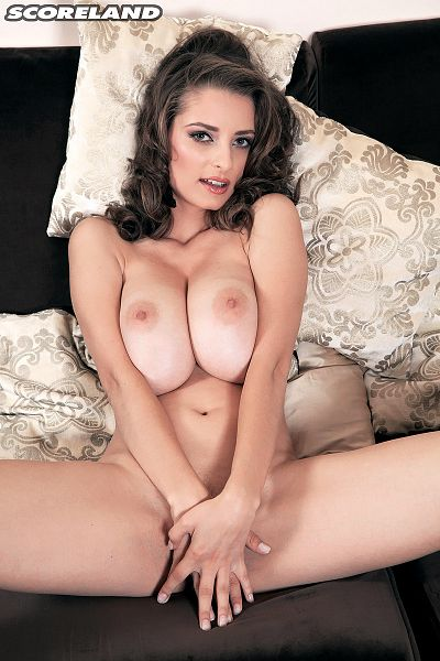 Estelle Taylor - Solo Big Tits photos