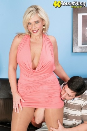 Carey Riley - XXX MILF photos